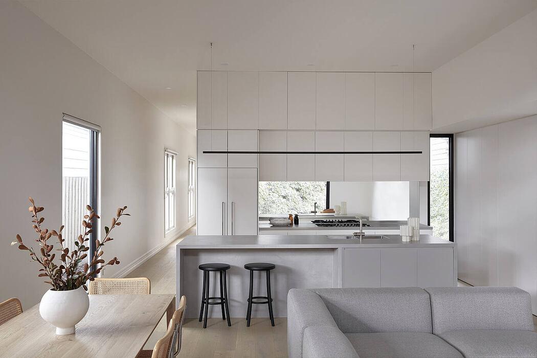 Thornbury Residence by Pierce Widera