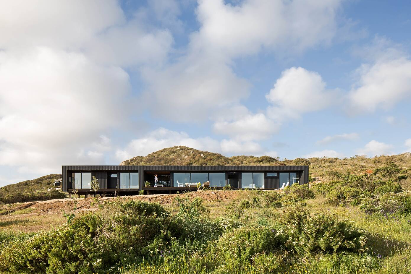 Casa WV by Cristián Romero Valente