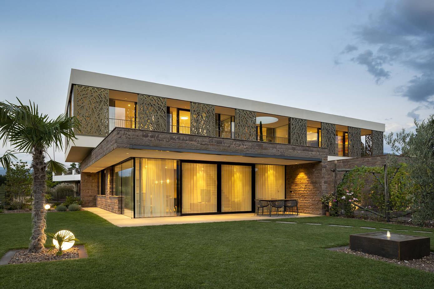 House P2 by Monovolume Architecture + Design