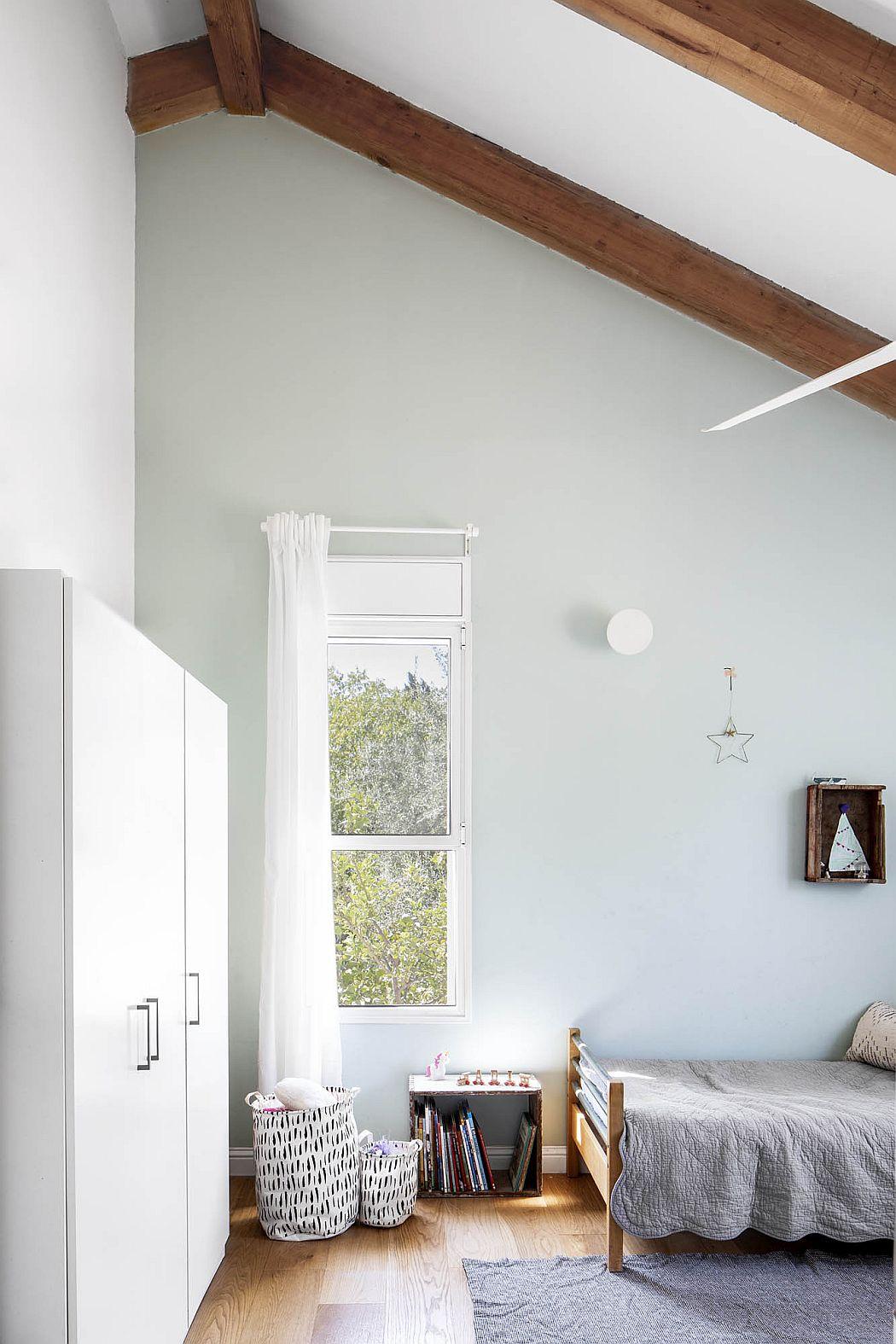 A Designer Home by Einat Shahar