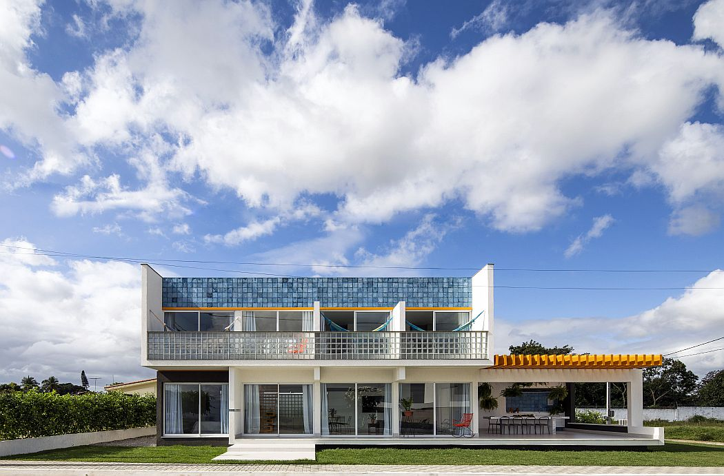 Casa M16 by NEBR arquitetura
