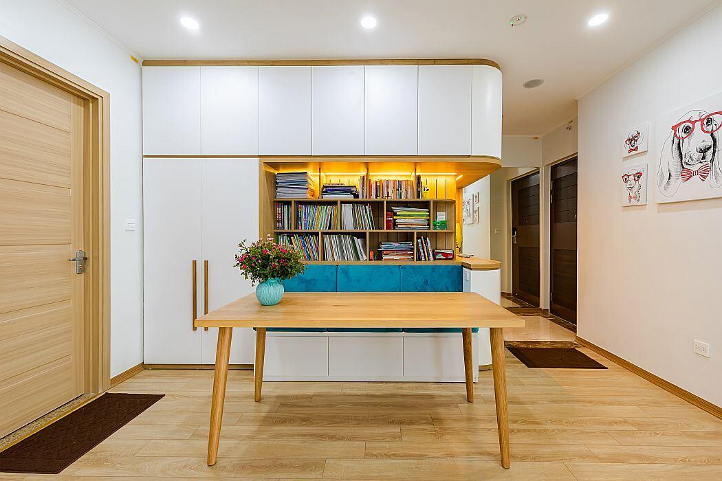 Ms Tu's Apartment by Xzone Design