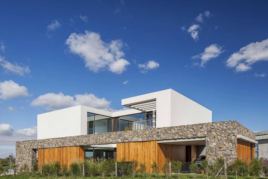 Casa Grava by Estudio Pka