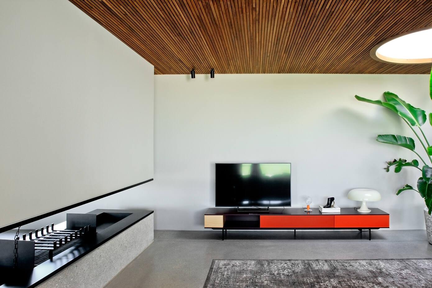 Minimal Villa by Mide Architetti