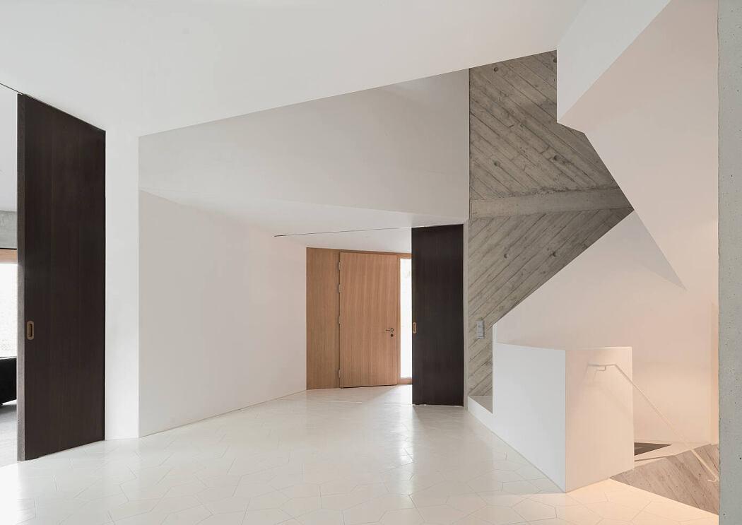 Villa L by Pool Leber Architekten