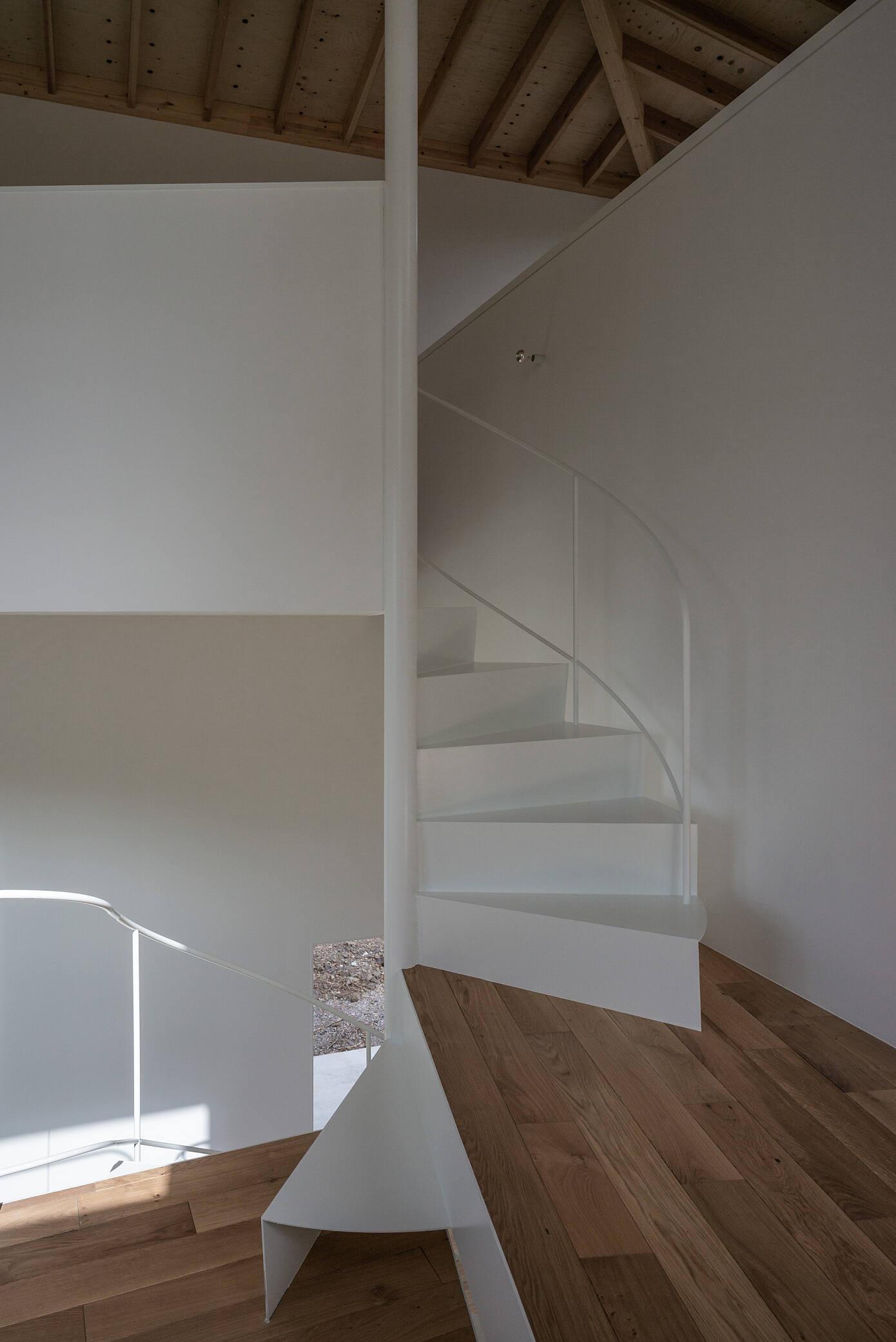 I House in Izu-kogen by Florian Busch Architects