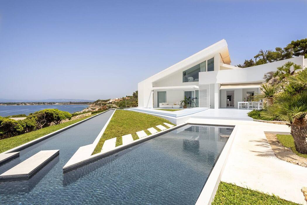 Villa Sirena by Studio Rizza Architetti
