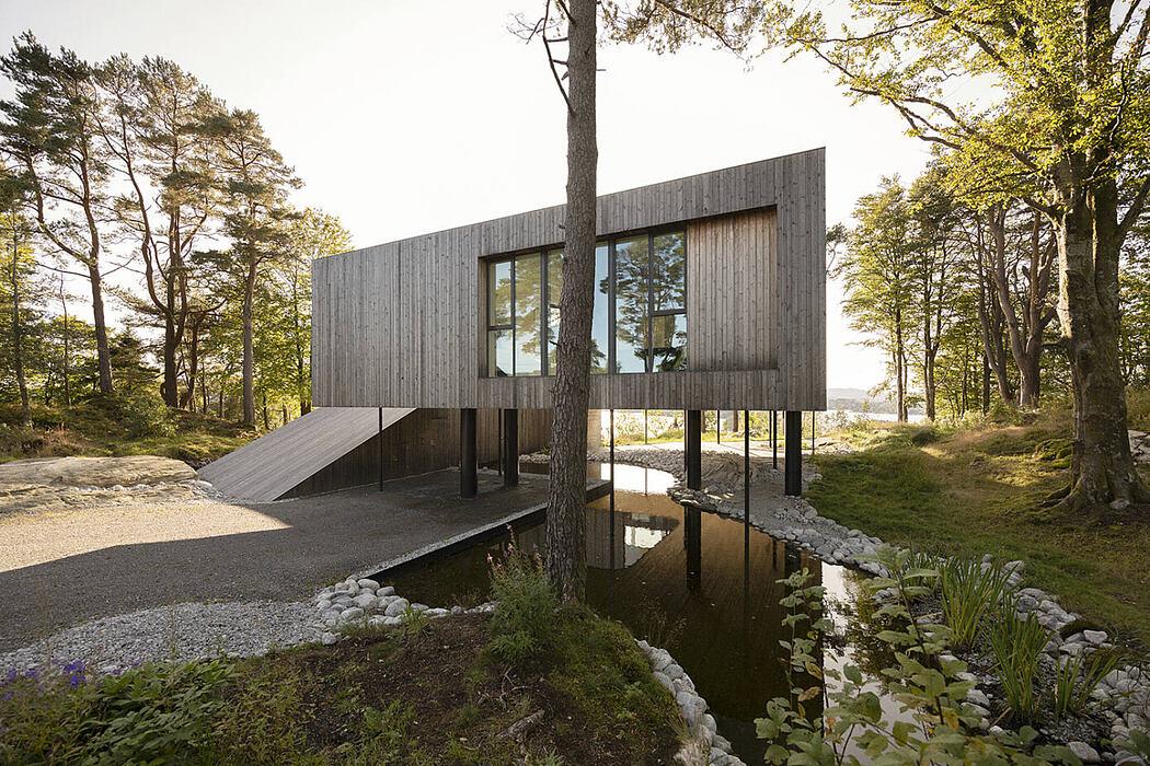 Villa Grieg by Saunders Architecture