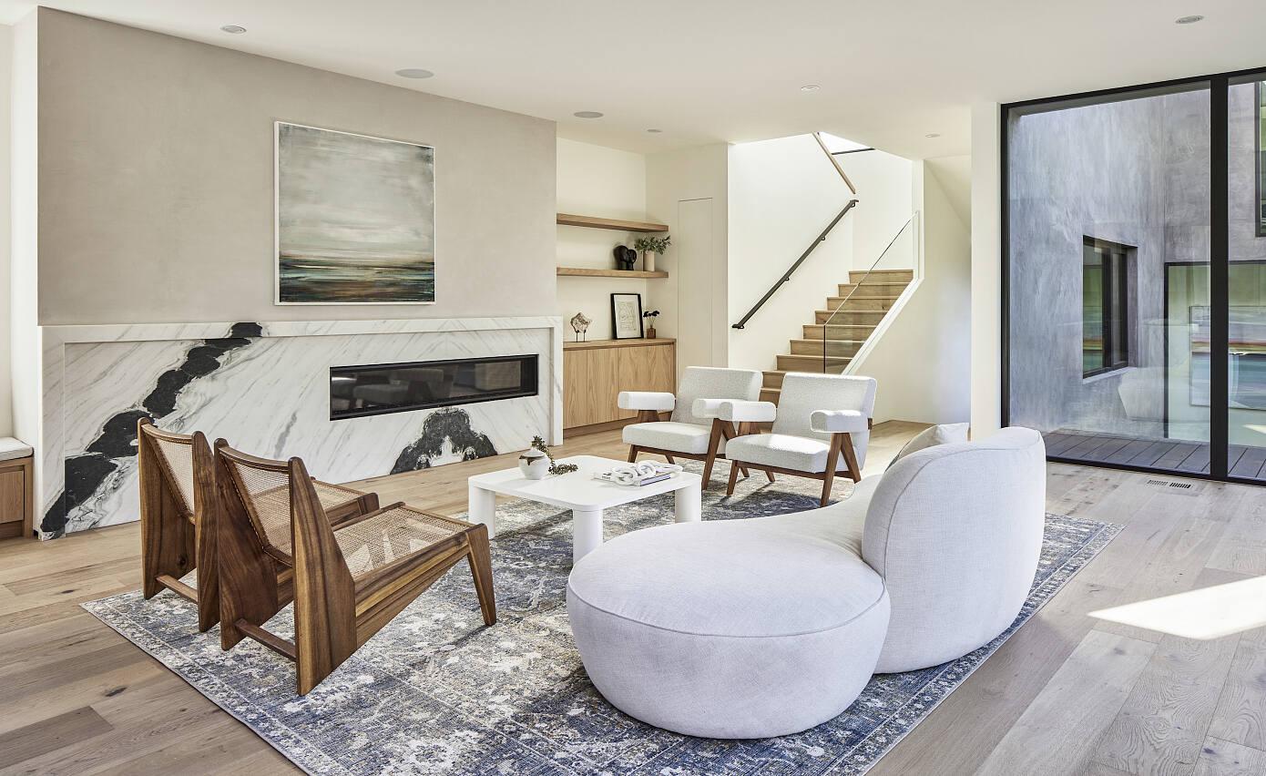 Grand View Oak Residence by Hsu Mccullough