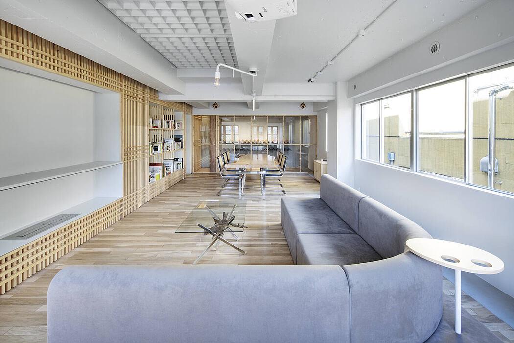 Dappled House 4F / Private Lounge by DDAA
