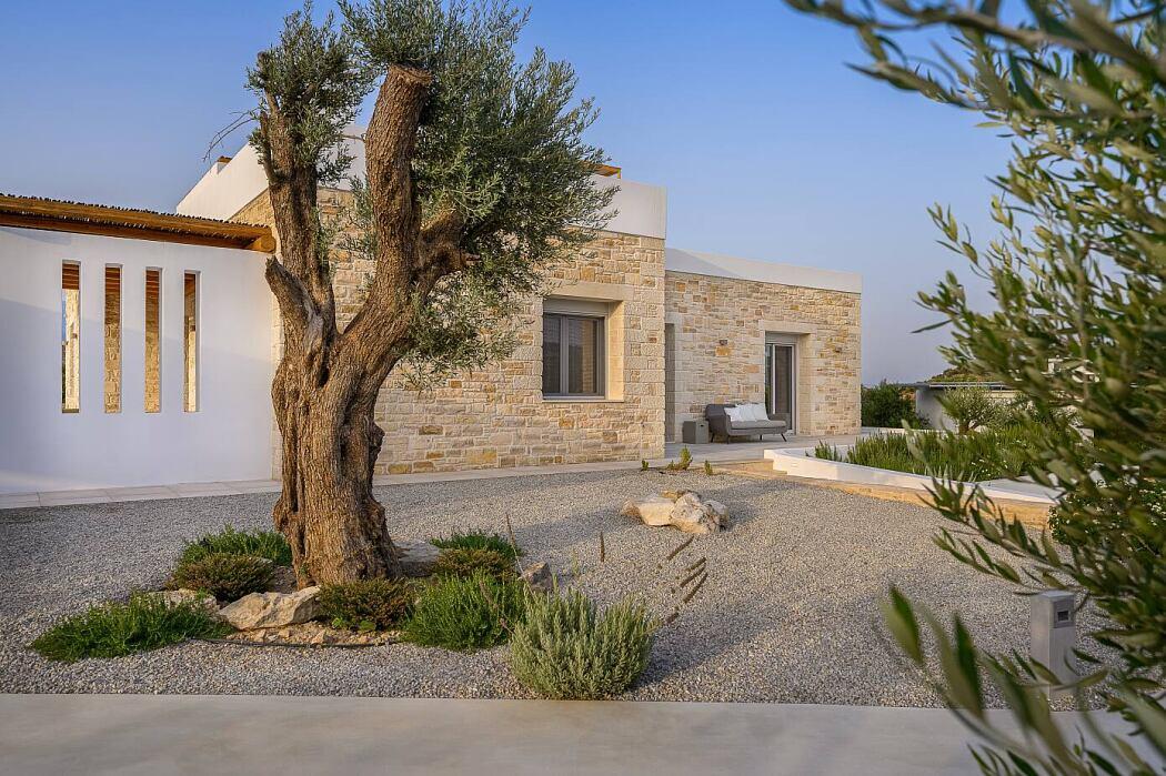 Villa Chelona by Arch2crete Architects