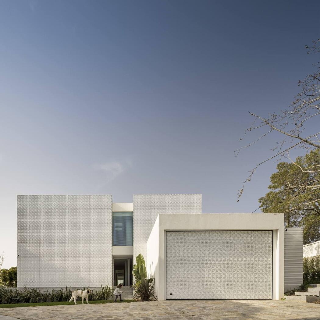 Estoril Rm House by João Tiago Aguiar Arquitectos