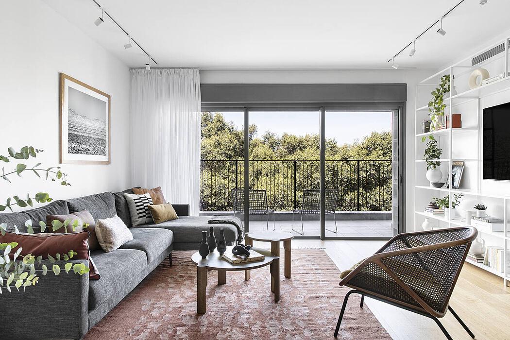 TA Apartment by Maya Sheinberger