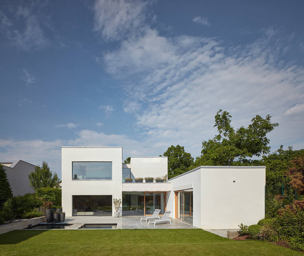 House Lhotka by Sons of Architecture