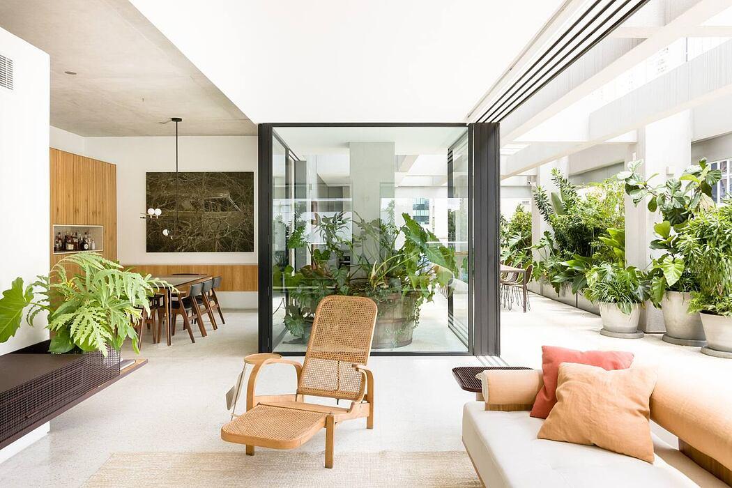 CR Apartment by Pascali Semerdjian Architects