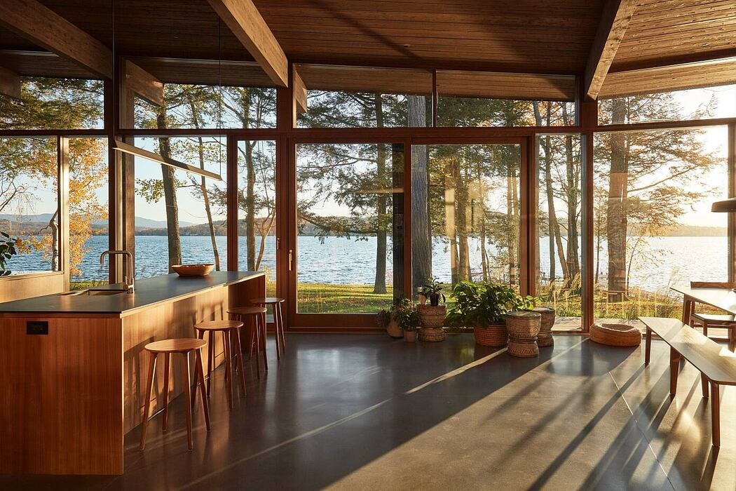 Lake Brome Residence by Atelier Pierre Thibault