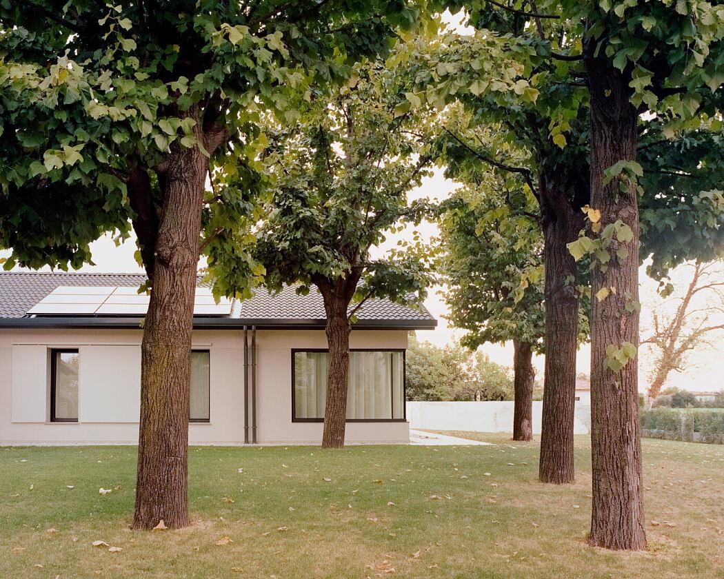 House AJ by Didonè Comacchio Architects